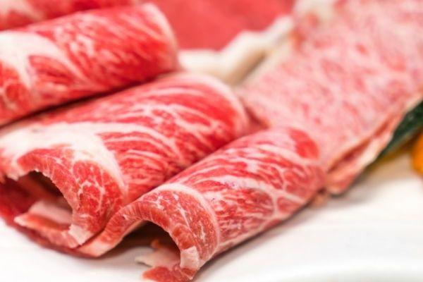 Harga Daging di Tiongkok Terjun Bebas