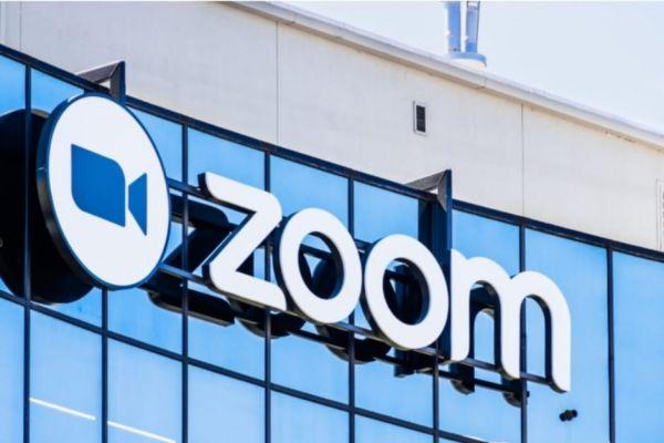 Zoom Punya Masalah Lagi, Kali Ini Karena Harus Putuskan Kebijakan Baru